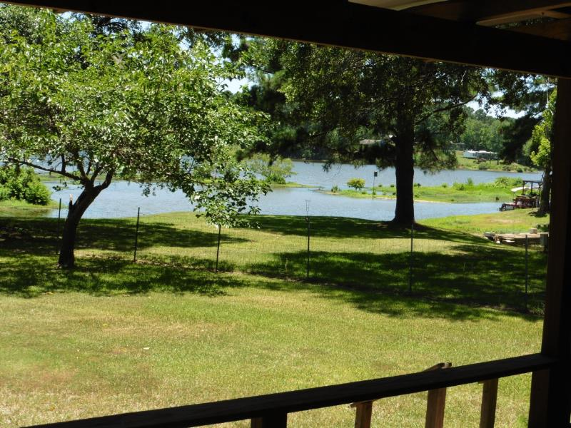 820 S Playcation Shores, Milam, TX 75959