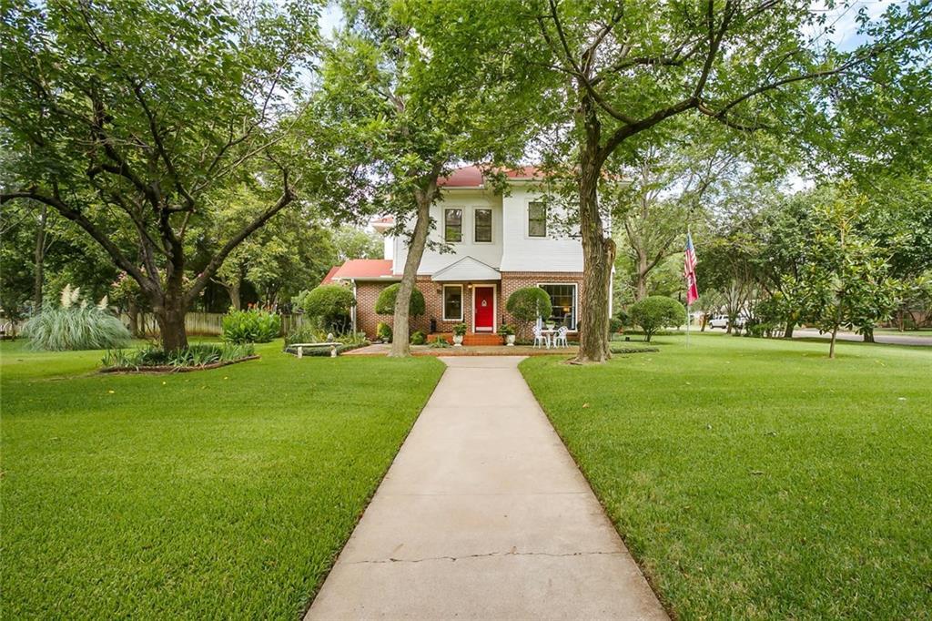 804 Prairie Avenue, Cleburne, TX 76033