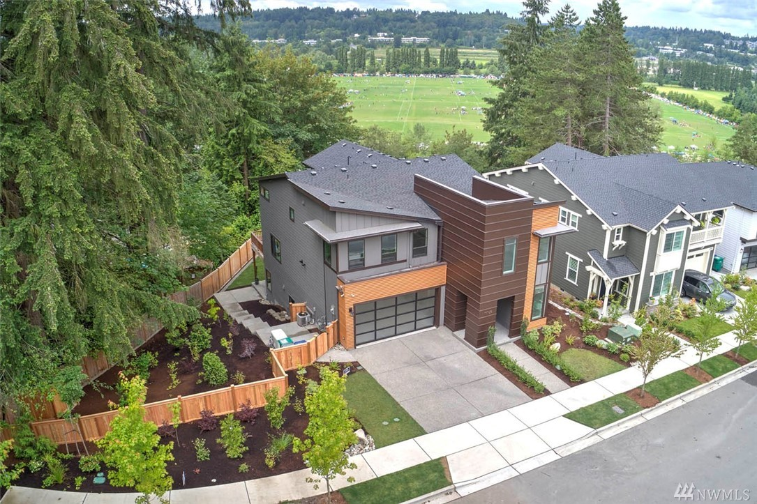 Toll Brothers 2 story w/basement resale home in the desired Crestview neighborhood. 4 Bed, 3.5 baths, & a large lot. Chefs kitchen w/a huge island, caesarstone counters, subway tile backsplash, S/S high end appliances, SubZero fridge, walk-in pantry & Muuto Pendant Light Fixtures. Hardwood floors, Custom Durashade Roller Shades, RaumPlus Glass Slider, dual zoned heating system, A/C, Generator, camera security system & more! Short drive to Redmond Town Center &Microsoft campus. Lake Wash schools!