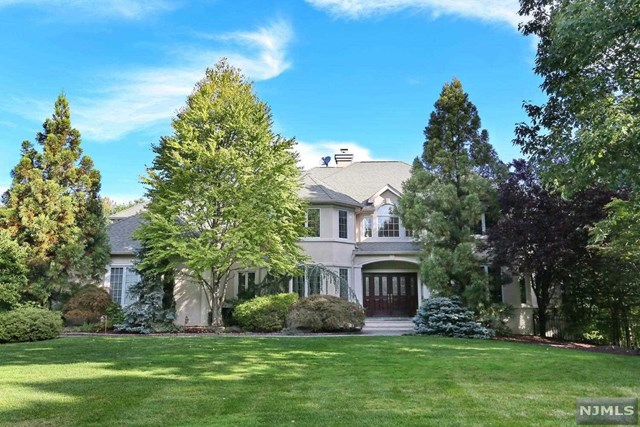 2 Hunter Ridge, Woodcliff Lake, NJ 07677