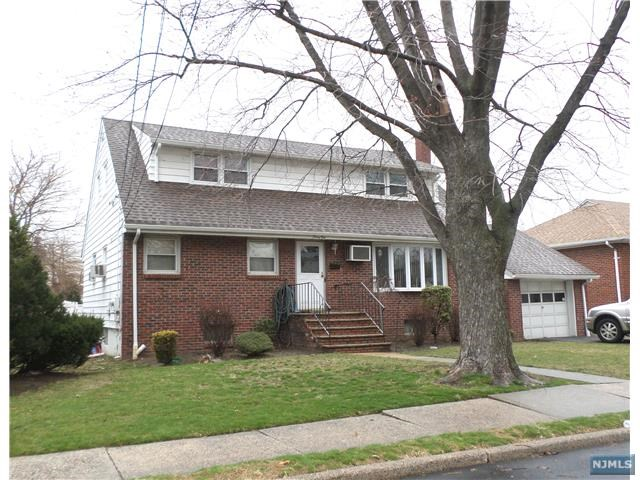 41 Phillips Avenue, South Hackensack, NJ 07606