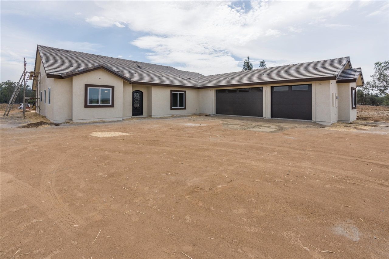 3280 Outback Place, Ramona, CA 92065