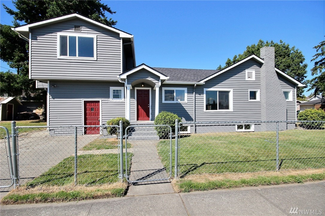 2332 McDougall Ave, Everett, WA 98201