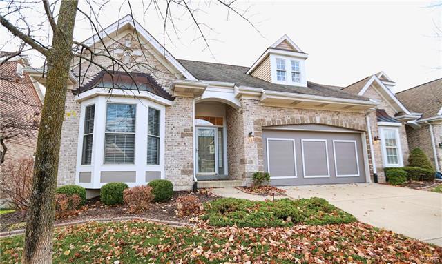 991 Chesterfield Villas Circle, Chesterfield, MO 63017