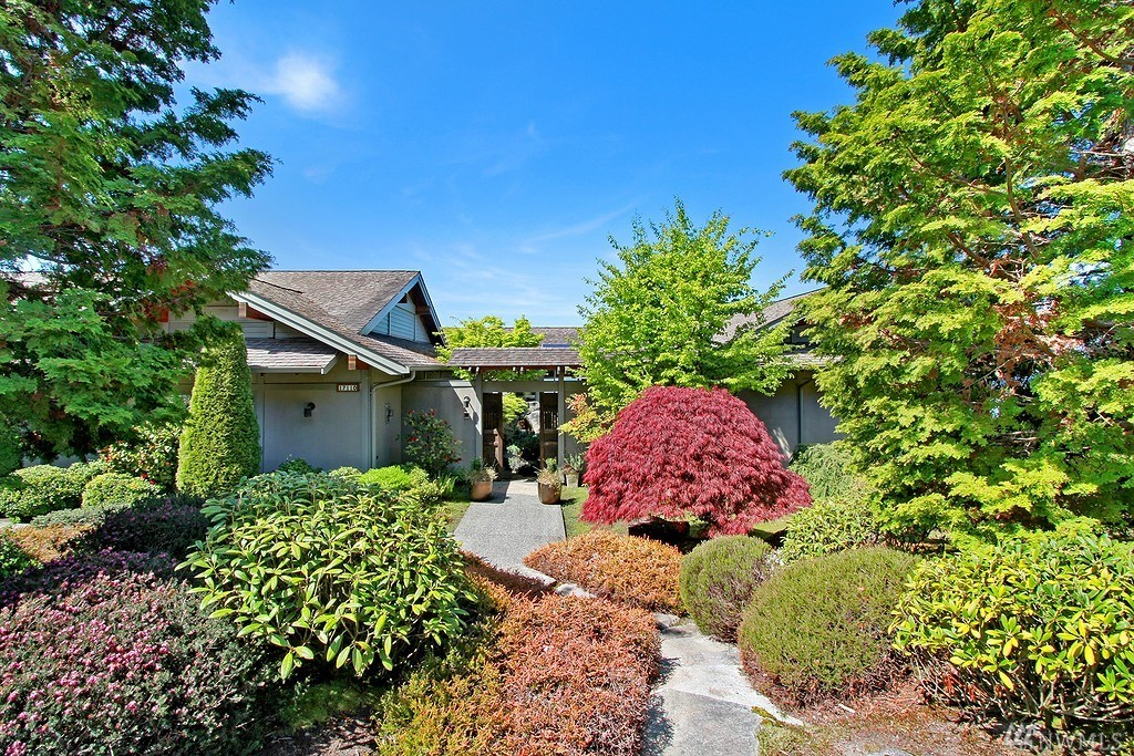 17110 74th Ave W, Edmonds, WA 98026