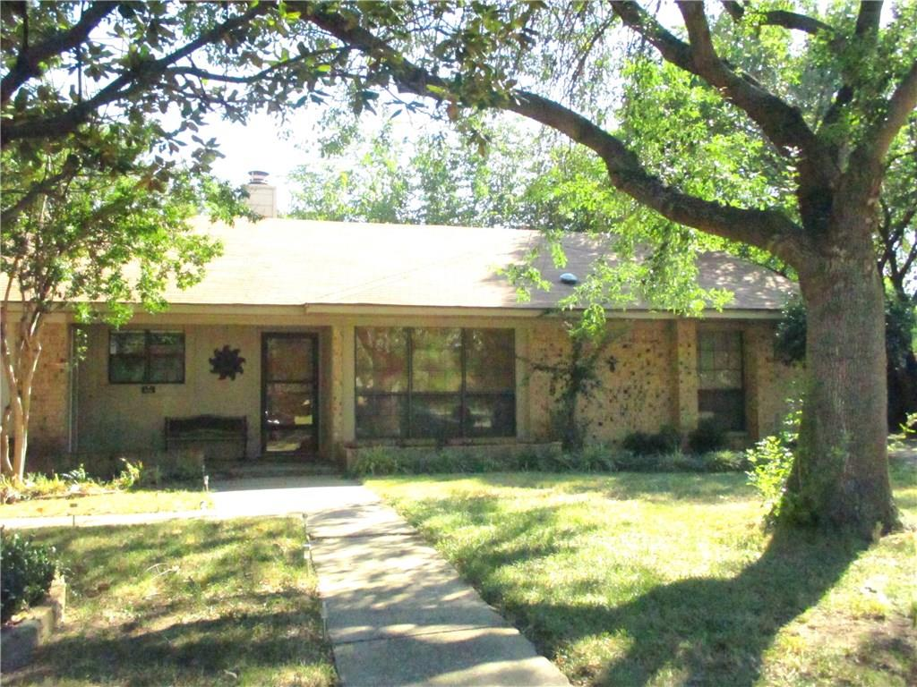 104 E Denton Drive, Euless, TX 76039
