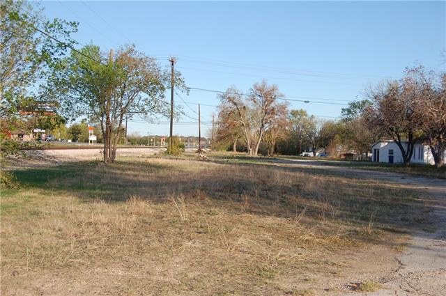 GREAT LOCATION in the heart of Leander!