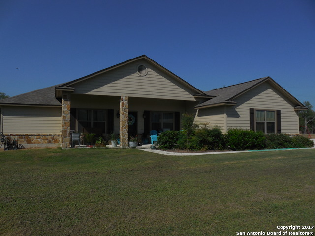 680 Cimarron Square, Poteet, TX 78065