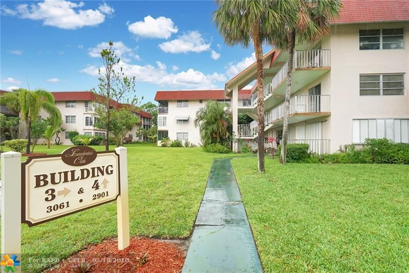 THIS IS A BEAUTIFUL FULLY RENOVATED APARTMENT IN THE QUIET COMPLEX OF LAUDERDALE OAKS. THE APARTMENT FEATURES ARE BRAND NEW KITCHEN WITH QUARTZ COUNTER TOP, WOOD FLOOR THROUGHOUT THE APARTMENT WITH TILES FLOOR IN THE KITCHEN AND BATHROOM, AND STAINLESS STEEL APPLIANCES. THERE IS AN ELEVATOR IN THE BUILDING. THIS IS AN ACTIVE COMMUNITY AND THE COMPLEX HAVE 3 POOLS, BIG CLUB HOUSE AND MORE AMENITIES. EASY TO SHOW