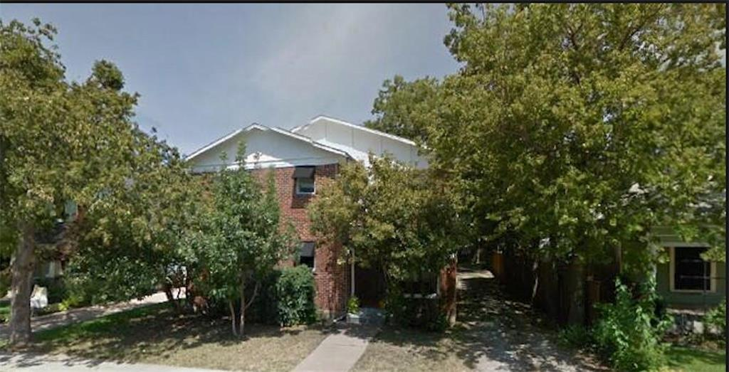 Solid investor opportunity in near Southside area of Fort Worth. 100% occupied cash flowing 4 plex in the heart of Fairmount Historic District. Solid upside income opportunity through remaining unit upgrades, utility conversion, parking improvements and management. Within walking distance to Magnolia Avenue restaurants, shops and parks. Seller will install new roof prior to closing with acceptable offer. All units are 1 BDRM, 1 BATH Off street parking in rear of building.
