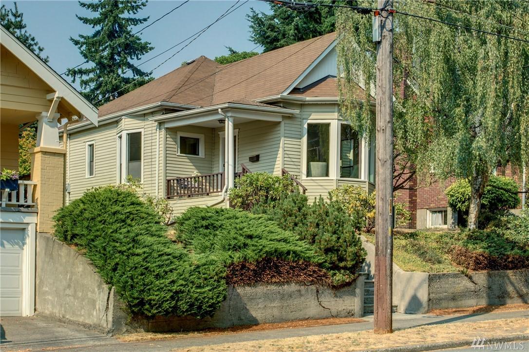 2112 N 50th St, Seattle, WA 98103