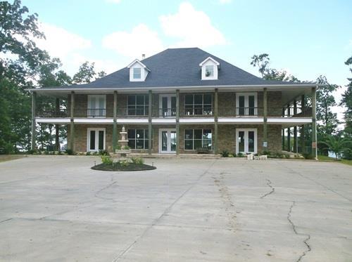643 Lakeland Circle, Hemphill, TX 75948