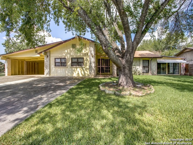 Great location and excellent investment opportunity. Property needs work. Roof replaced July 2017. Estate sale with motivated sellers looking for quick sale. Make us an offer!