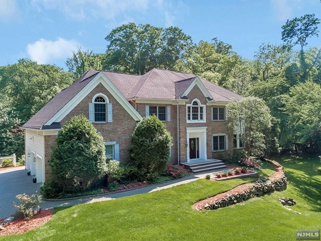 29 Glendale Road, Park Ridge, NJ 07656