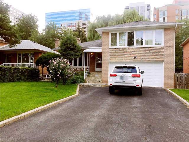 26 Deering Cres, Toronto, ON M2M 2A3