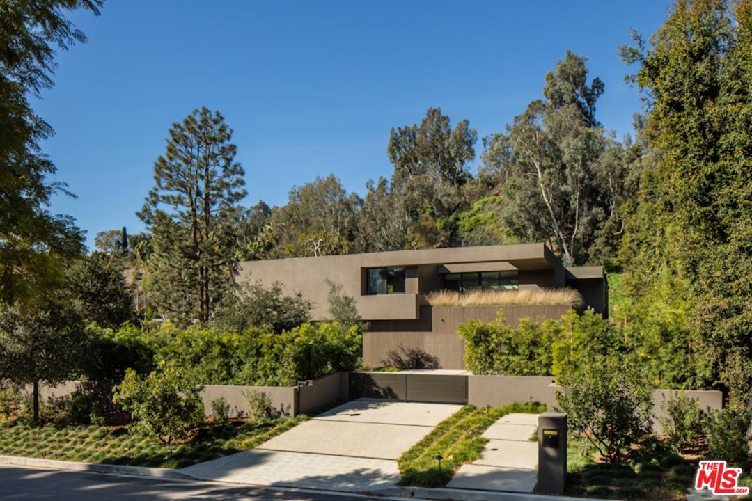595 E CHANNEL Road, Santa Monica, CA 90402