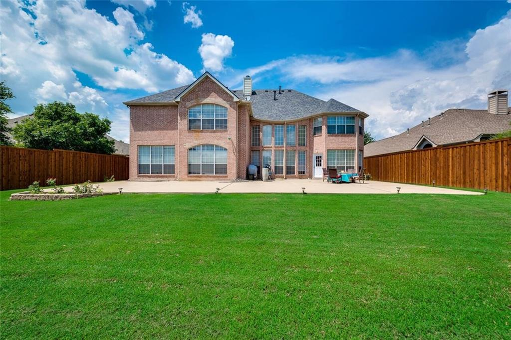 1633 Thomas Lane, Carrollton, TX 75010
