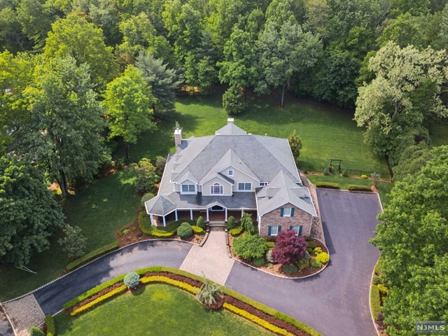 10 Riverview Lane, Ho-Ho-Kus, NJ 07423