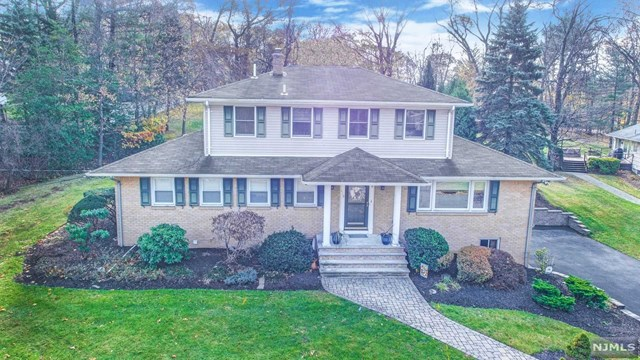 418 Holly Drive, Wyckoff, NJ 07481