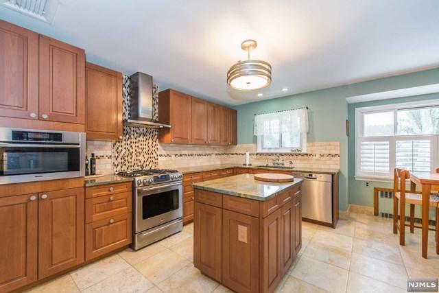 11 Schneider Lane, Montville, NJ 07045
