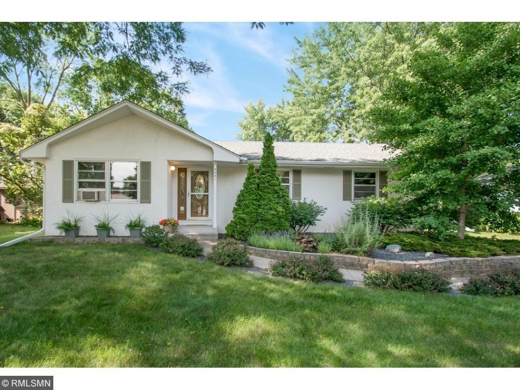 8441 Meadow Lake Road N, New Hope, MN 55428