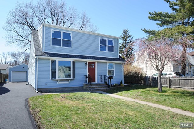 6 Lincoln Place, Moonachie, NJ 07074