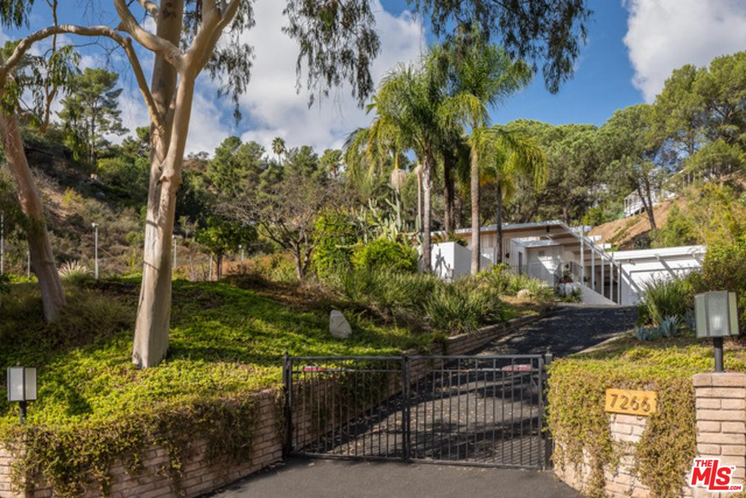 7266 OUTPOST COVE Drive, Los Angeles (City), CA 90068