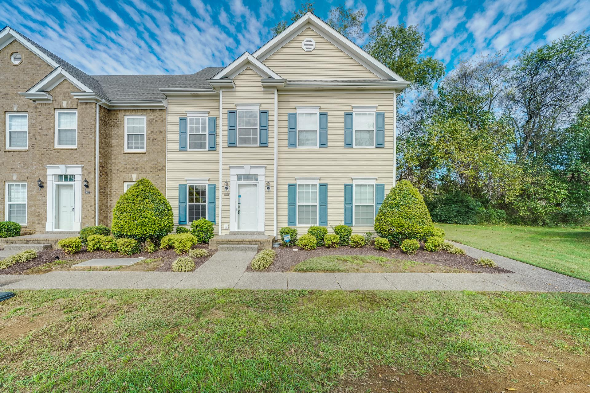 405 Newport Meadows Cir, Thompsons Station, TN 37179