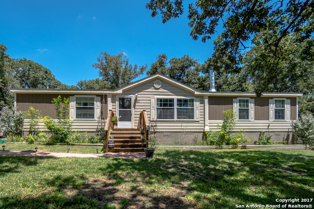 201 ENCINO TORCIDO, Adkins, TX 78101