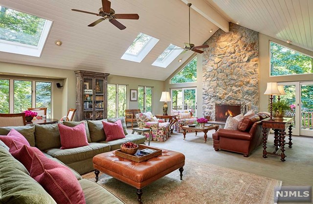 Secluded Country Oasis, Mahwah, NJ 07430