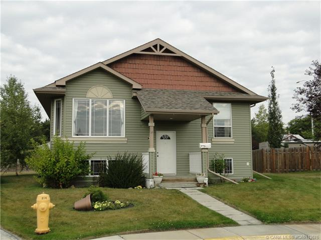 28 Jarvis Close, Penhold, AB T0M 1R0