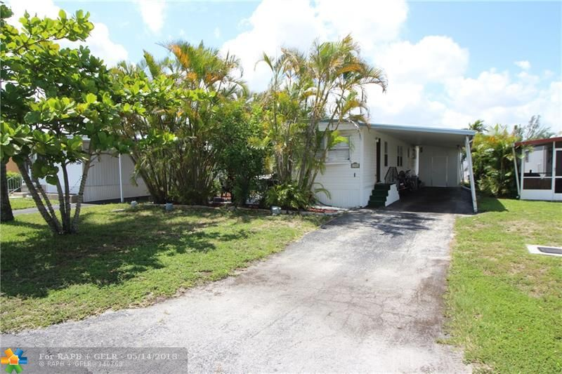 ***CASH ONLY*** Great 2/2 manufactured home in the Estates of Ft Lauderdale. Tile flooring throughout. Large family room. Carport. Small side patio. Active community with pool, gym, clubhouse, 8 hole golf, tennis and restaurant. See attachments ***CASH ONLY***