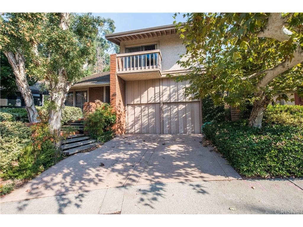 10303 CLUSTERBERRY Court 34, Bel Air, CA 90077