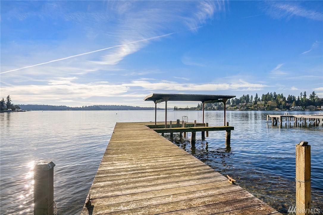 9553 Lake Washington Blvd NE, Bellevue, WA 98004