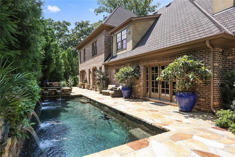 4195 W Oaks Court NE, Atlanta, GA 30342