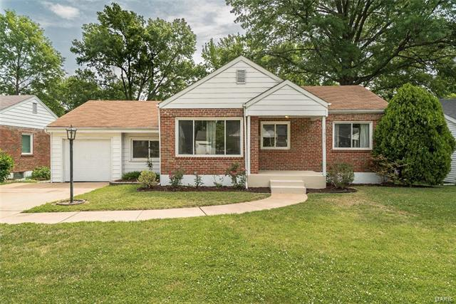 1324 Pinetree Lane, Webster Groves, MO 63119