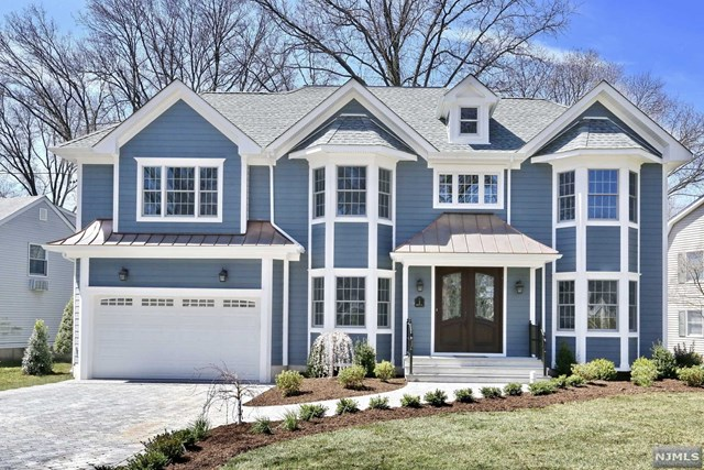 2 Berwyn Place, Glen Rock, NJ 07452