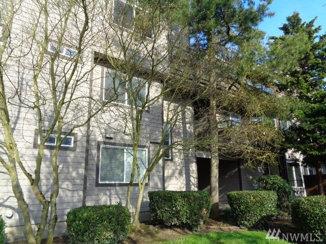 6055 35th Ave SW 307, Seattle, WA 98126