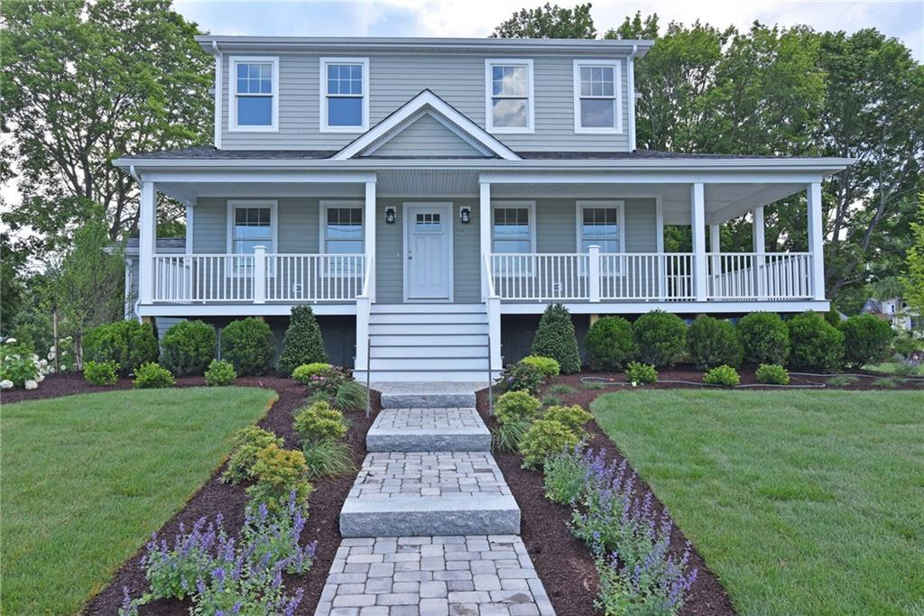 92 MIDDLE ST, North Kingstown, RI 02852