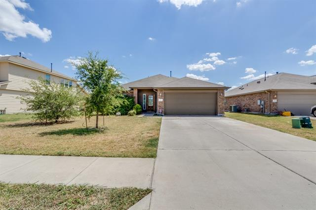 Beautiful 3/2 home located in the heart of Hutto. Large open floor plan, updated Kitchen with granite counter tops. Still has Builder warranty! Move in ready for a quick close.