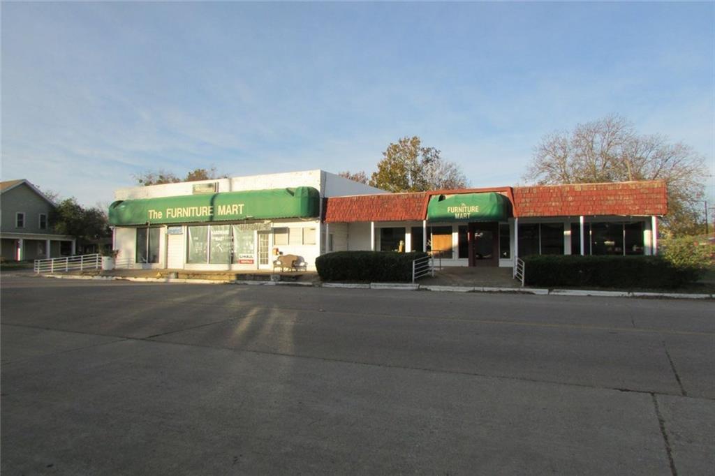 107 S Bond Street, Whitewright, TX 75491