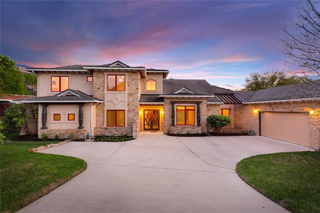 Custom home with impeccable attention to detail that creates casual elegance, open floor plan with natural light, custom maple cabinets and stairs, bronze doors, travertine and slate floors perfect for entertaining or family fun. Gourmet kitchen that opens to an outdoor paradise with patio, Ipe deck and pool with 6 fountains. 2 tankless H2O heaters, air antenna, over sized garage. Main living and sleeping on first floor with mother in law plan. 2 bedrooms and media room up. Minutes to golf, schools , park
