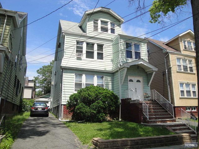 143 Grumman Avenue, Newark, NJ 07112