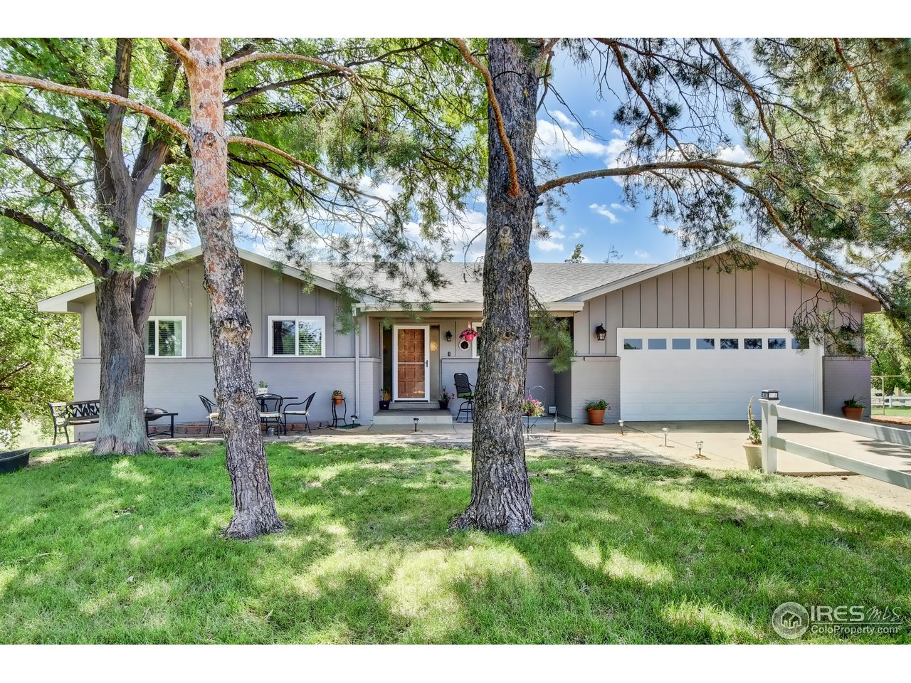 Motivated Sellers! Rarely Available NOT-SO-LITTLE SLICE OF HEAVEN in Desirable Dos Rios! This 3.94 acre Horse Property is your place of escape! Natural beauty everywhere you look! 3292 sqft, 5 bed/3 bath Ranch style with bright walk-out basement.  New Paint in & out, new roof, new floors, remodeled Kitchen & Master Bath, Clean, move-in-ready! Outdoor sprinkler system, storage barn w/ Tack Room & chicken coop.  Country living but SO close to shopping & restaurants & schools.