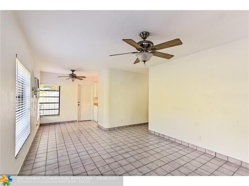 LOTS OF NATURAL LIGHT IN THIS OVERSIZED 1 BEDROOM/1 BATHROOM. VERY COMFORTABLE AND CLEAN UNIT. BLINDS ON ALL WINDOWS, PLENTY OF STORAGE SPACE, AND TILE FLOORS. NO CARPET! LOCATED IN PRESTIGIOUS VICTORIA PARK. CLOSE TO HOLIDAY PARK, DOWNTOWN FORT LAUDERDALE, SHOPPING, RESTAURANTS, ENTERTAINMENT, AND THE BEACH.
