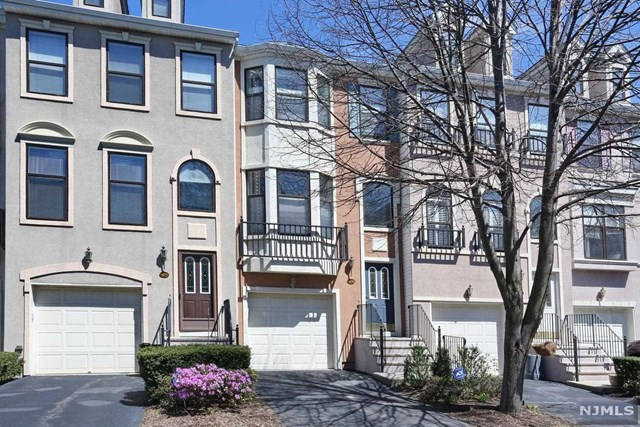 404 Manchester Drive, Nutley, NJ 07110