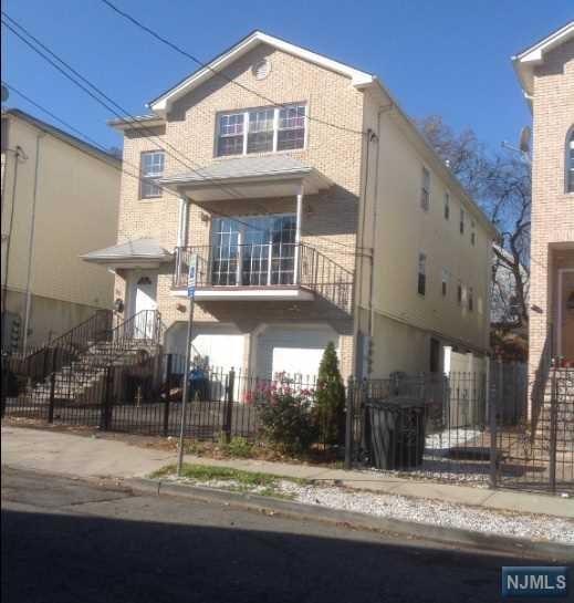 30 N 5th Street, Newark, NJ 07107