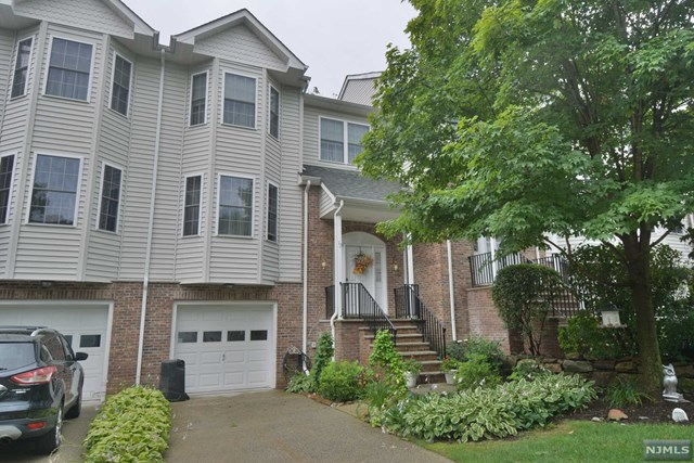 12 Rockcreek Terrace, Riverdale Borough, NJ 07457