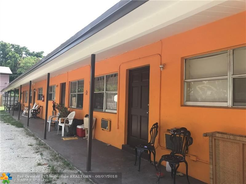 Great investment property located in the heart of Oakland Park !!  This four-plex is located just off Andrews Ave, close to public transportation routes and easy access to interstates and local job opportunities.  Owner replaced the whole roof last year (2017).  Property is located just minutes from the Atlantic Ocean and the beaches.  Can be purchase by itself, or as part of a package with a duplex in Pompano Beach ( MLS#  F10135865 )