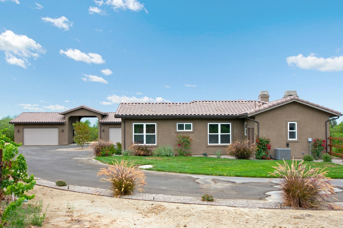 30811 Hilltop View Ct., Valley Center, CA 92082